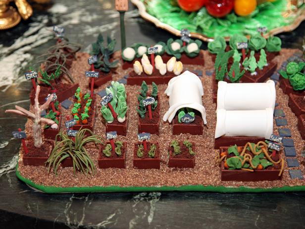 WHC10S12_PressPreview-gingerbread-garden_s4x3_lg