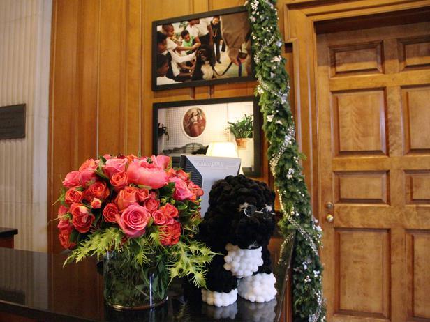 White-House-Christmas-2011-roses-Bo_s4x3_lg