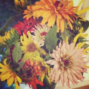 cutting-garden-flowers_2-300x300